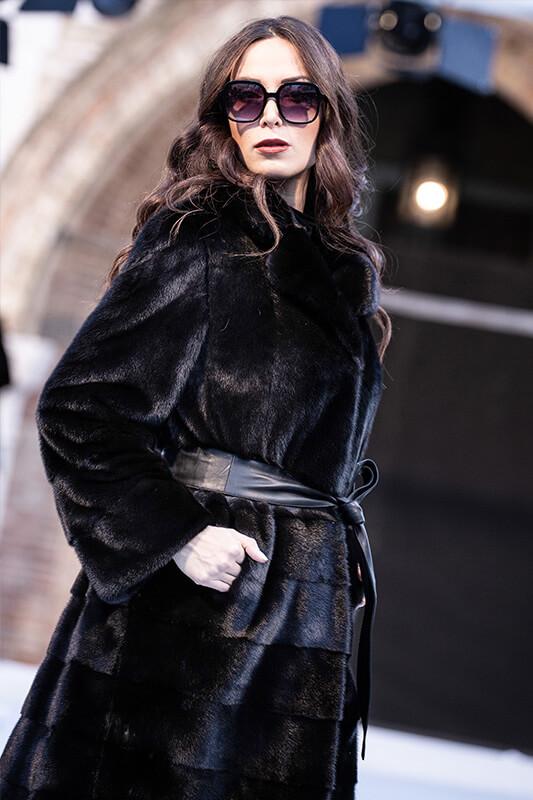 Sfilata Fashion Moda Autunno Inverno Visoni Neri | Nicola Pelliccerie