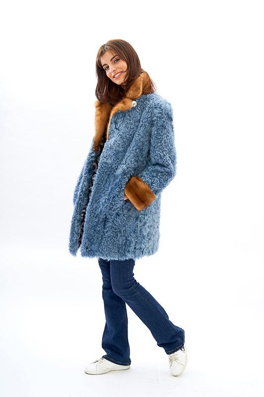 Cappotto azzurro pelliccia riccioluta visone | Nicola Pelliccerie