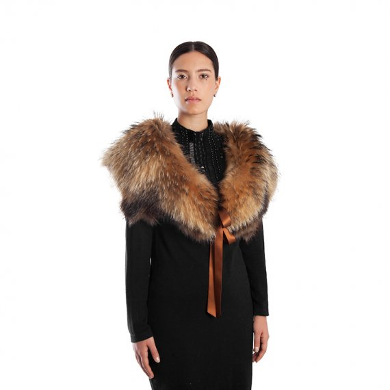 Collo sopra abito giacca fur collar showlders handmade production Italy | Nicola Pelliccerie