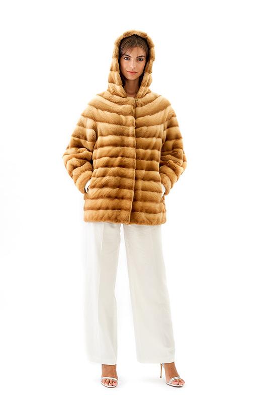 Giacca oversize visone rasato miele cappuccio | Nicola Pelliccerie