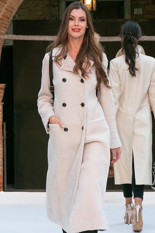 Cappotto Montone Bianco Pelliccia | Nicola Pelliccerie