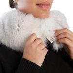 Sciarpa volpe bianca naturale chiusura | Nicola Pelliccerie