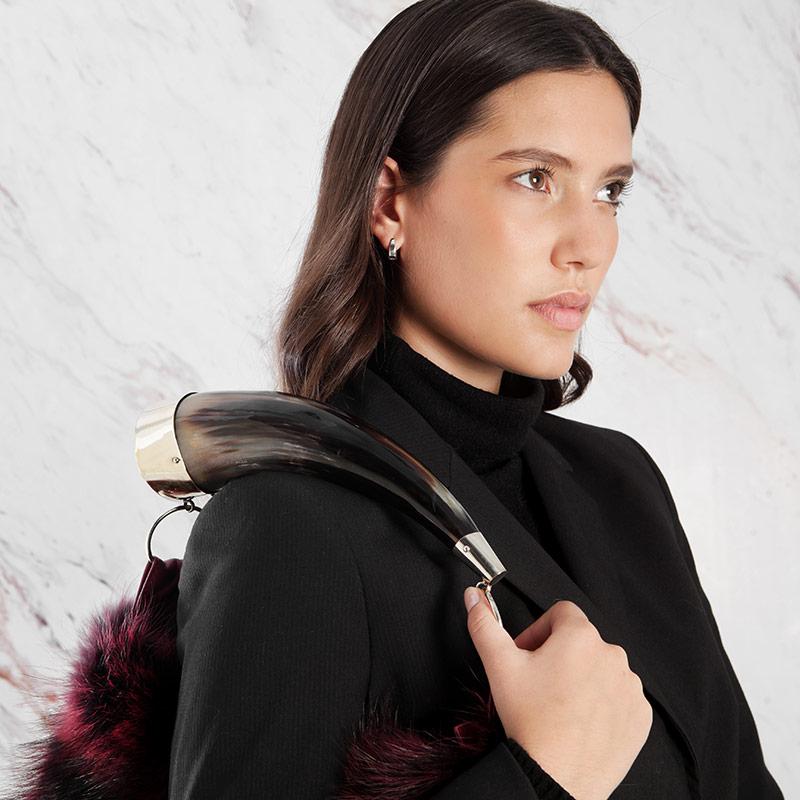 Borsa pelliccia rossa a spalla pelle corno naturale | Nicola Pelliccerie