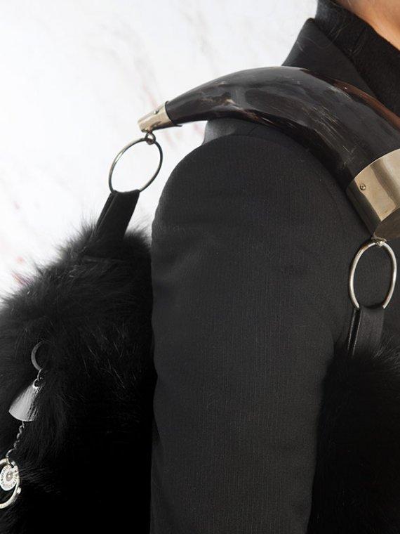 Borsa pelliccia spalla nera pelle italiana con corno naturale | Nicola Pelliccerie