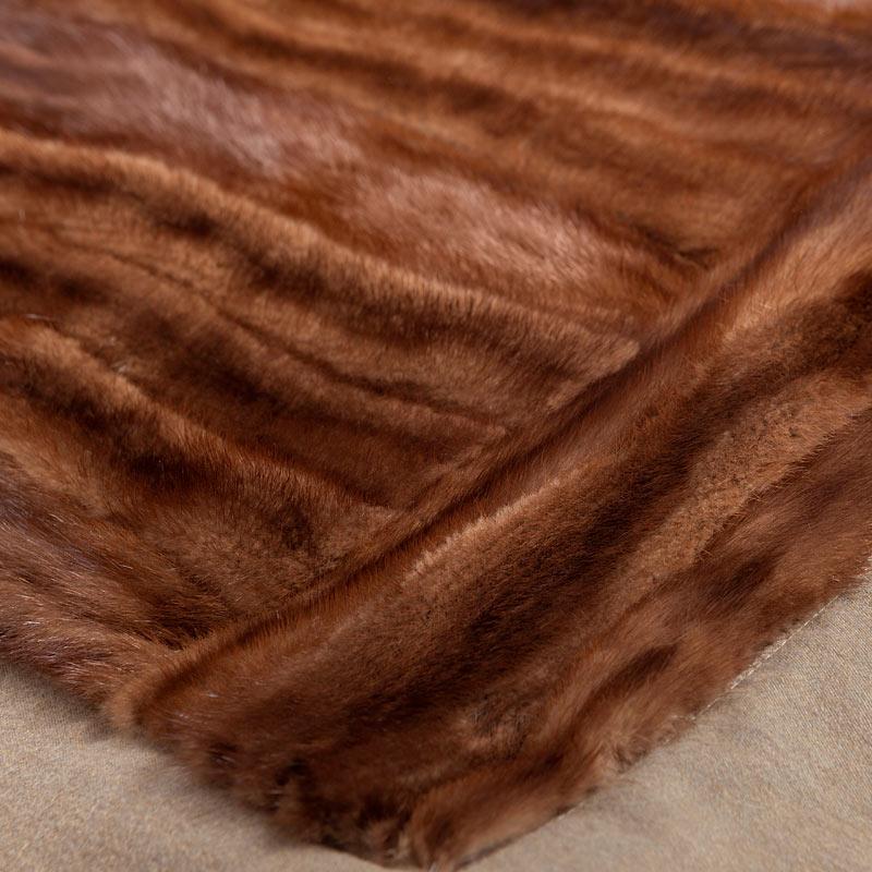 Coperta pelliccia visone naturale shop online | Nicola Pelliccerie