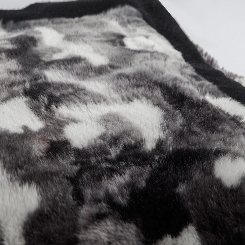Copridivano plaid pelliccia bianca grigio nero cachemire | Nicola Pelliccerie