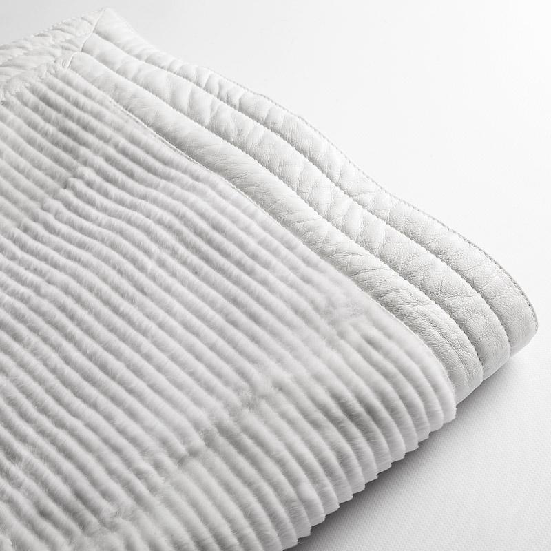 Plaid pelliccia bianca lapin 160x165 divano letto pelle montagna | Nicola Pelliccerie